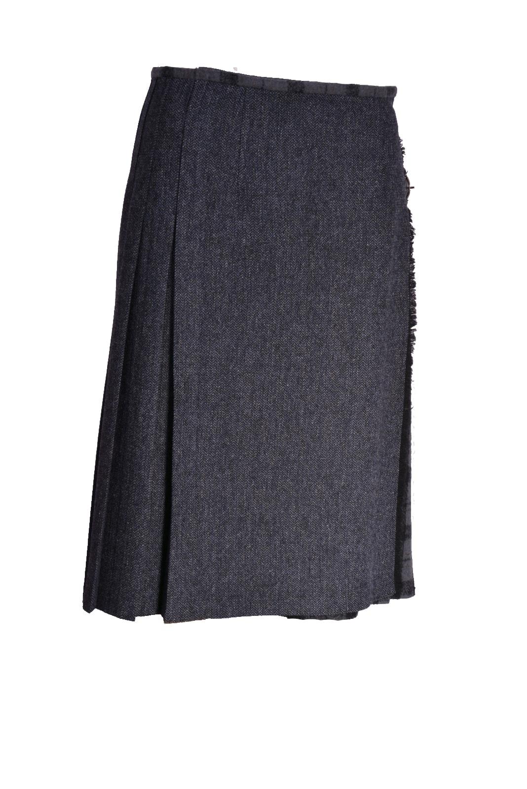 pleated-wraped-skirt-knee_f285242e299e539748dac0eecfb88196