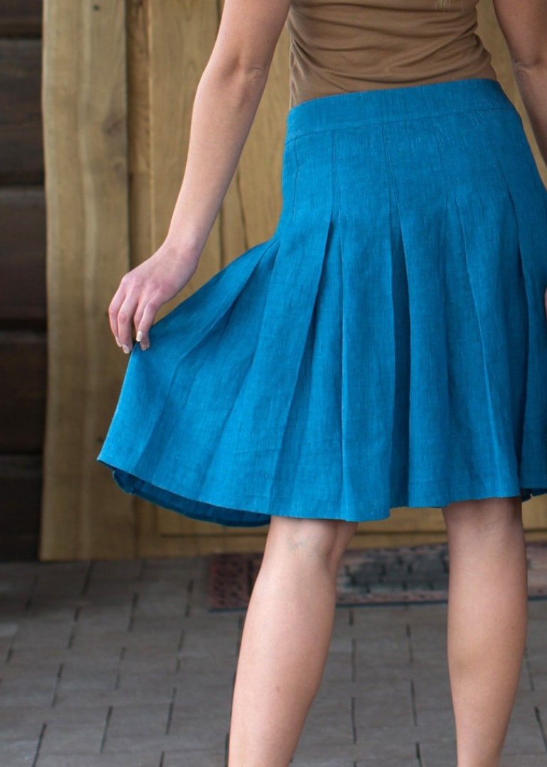 soft-pleated-skirts_2538a3ada53d8b5983078df63ca2f050